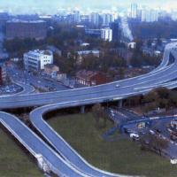 Общий вид 18 железобетонных эстакад Тульской развязки на ТТК (Москва, 2001 г.)